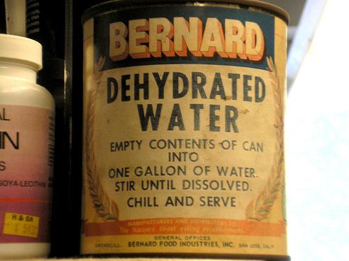 eau en boite
