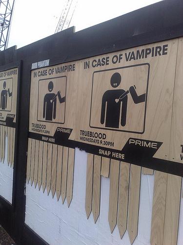 http://www.bloginsolite.com/wp-content/uploads/2009/03/vampire.jpg